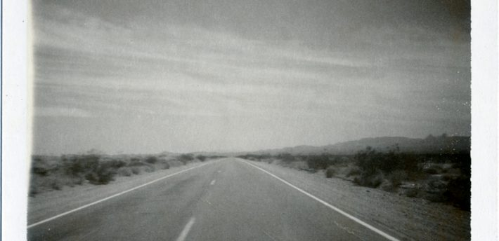 Desert road, Flickr,  Creative Comms licence, moominsean